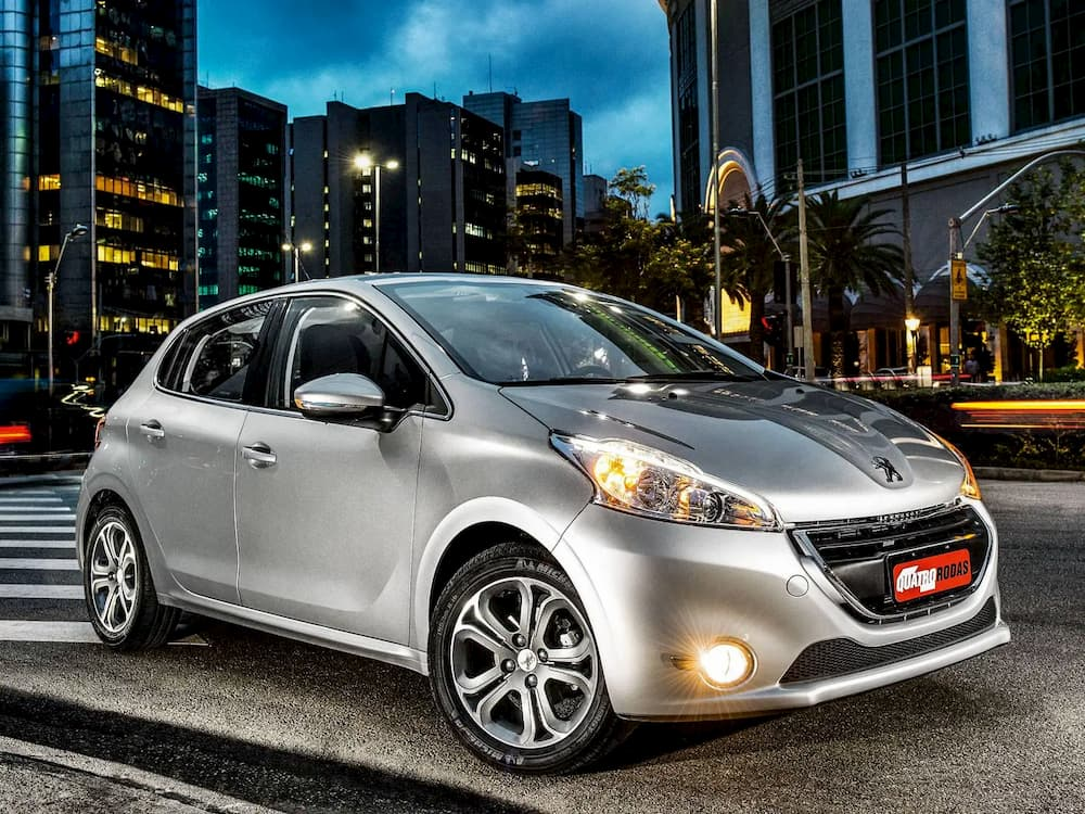 Peugeot-208-Griffe-1.6at